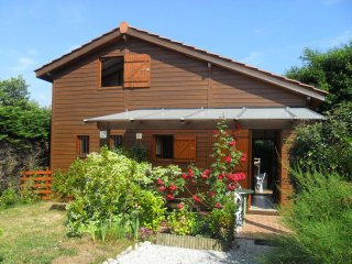 Adorable 3 bedroom Lanton House with Shared Outdoor Pool - Lanton vacation rentals