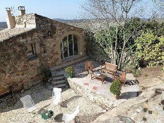 Maison Vidoni, de charme, entièrement rénovée, 30700 la Capelle et Masmolène - Vallabrix vacation rentals