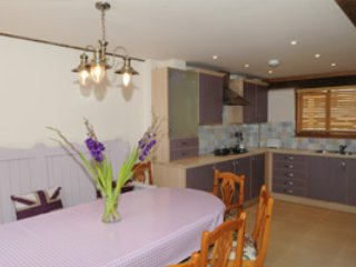 Lovely 3 bedroom Cottage in High Wycombe - High Wycombe vacation rentals