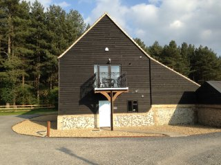 Wideham View is a comfortable and well-equipped self-catering holiday home. - West Stow vacation rentals