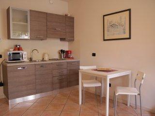 Intero appartamento centro città' con posteggio - Brescia vacation rentals