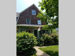 Lovely 2-Bedroom Suite in Historic House Near Philadelphia - Lansdowne vacation rentals
