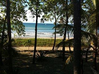Right on the beach - Sámara, Costa Rica - Playa Samara vacation rentals