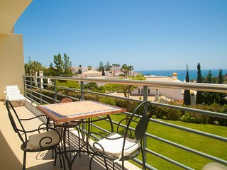 SEA VIEW APARTMENT IN ALBUFEIRA NEAR OLD TOWN AND - Olhos de Agua vacation rentals