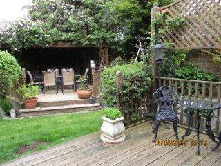 Comfortable 3 bedroom Bed and Breakfast in Old Windsor - Old Windsor vacation rentals