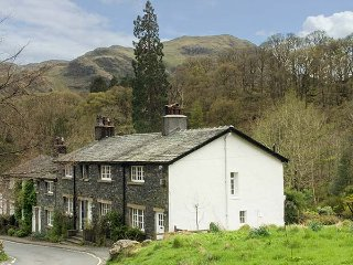 LITTLEBECK, woodburning stove, pet-friendly, riverside location, Rosthwaite - Seatoller vacation rentals
