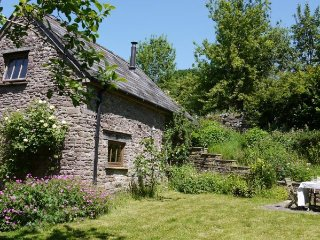 2 bedroom House with Fireplace in Pant-y-Gelli - Pant-y-Gelli vacation rentals