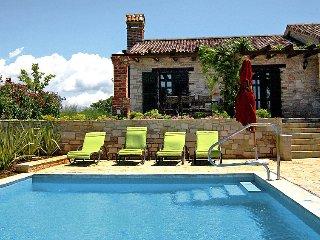 4 bedroom Villa in Porec Sv. Lovrec, Istria, Croatia : ref 2372281 - Sveti Lovrec vacation rentals