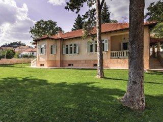 4 bedroom Villa in Split-Sinj, Split, Croatia : ref 2375914 - Sinj vacation rentals
