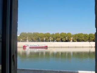A cool pad on the Rhône Quays - Arles vacation rentals