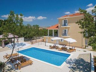 3 bedroom Villa in Split-Dugopolje, Split, Croatia : ref 2376312 - Dugopolje vacation rentals
