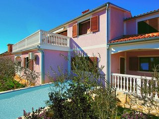 6 bedroom Villa in Liznjan, Liznjan, Croatia : ref 2376359 - Liznjan vacation rentals