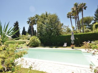 2 bedroom Villa in Le Rouret, Alpes Maritimes, France : ref 2377156 - Le Rouret vacation rentals