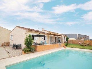 4 bedroom Villa in Maubec, Vaucluse, France : ref 2377298 - Maubec vacation rentals