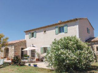 5 bedroom Villa in Boulbon, Bouches Du Rhone, France : ref 2377372 - Boulbon vacation rentals