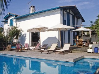 4 bedroom Villa in Ahetze, Pyrenees Atlantiques, France : ref 2377409 - Ahetze vacation rentals