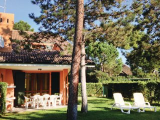 3 bedroom Villa in Albarella, Veneto Coast, Italy : ref 2377667 - Isola Albarella vacation rentals
