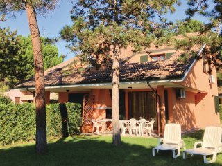 3 bedroom Villa in Albarella, Veneto Coast, Italy : ref 2377769 - Isola Albarella vacation rentals