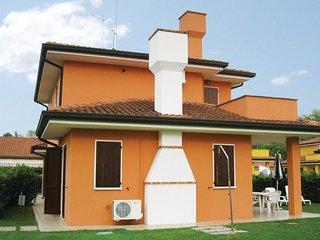 2 bedroom Villa in Albarella, Veneto Coast, Italy : ref 2377635 - Isola Albarella vacation rentals