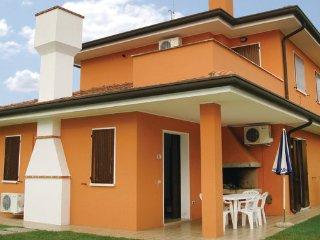 2 bedroom Villa in Albarella, Veneto Coast, Italy : ref 2377703 - Isola Albarella vacation rentals