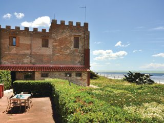 7 bedroom Villa in Torvaianica, Latium Coast, Italy : ref 2377784 - Torvaianica vacation rentals