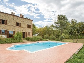 5 bedroom Villa in Macerata - Penna S.Giovanni, Marches Countryside, Italy - Penna San Giovanni vacation rentals