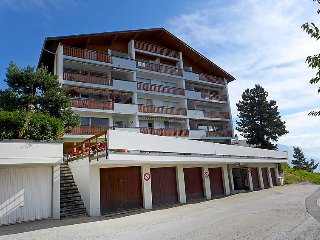 3 bedroom Apartment in Crans Montana, Valais, Switzerland : ref 2378943 - Crans-Montana vacation rentals
