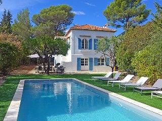 5 bedroom Villa in Cavalaire, Cote d Azur, France : ref 2379400 - Cavalaire-Sur-Mer vacation rentals