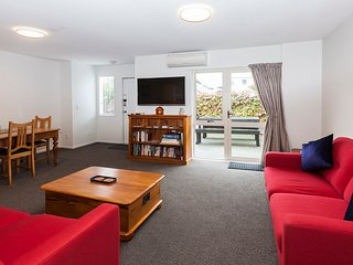 Awesome Central Christchurch Townhouse - Christchurch vacation rentals