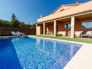 4 bedroom Villa in Caldes de Malavella, Costa Brava, Spain : ref 2379738 - Llagostera vacation rentals