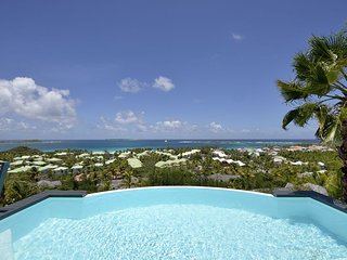 DOLCE VITA... 3 BR with breathtaking views over Orient Bay ... Sweet Villa!! - Orient Bay vacation rentals
