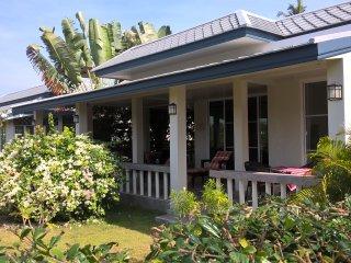 Nice Villa with Internet Access and A/C - Huai Yang vacation rentals