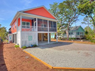 911 Miller Avenue - Easy Walk for Bike Ride to the Beach - FREE WiFi - Tybee Island vacation rentals