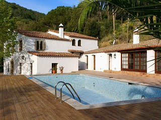 Stylish XVth C masia, recently remodelled with spectacular mountain/ocean views - Sant Iscle de Vallalta vacation rentals