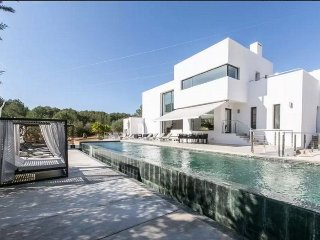 CAN WITA: Luxurious minimalist style villa located in the Santa Gertrudis area. - Santa Gertrudis vacation rentals