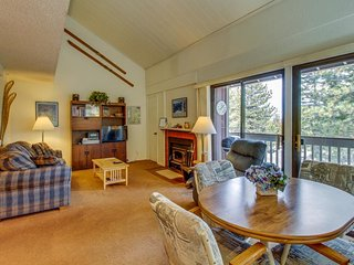 Studio loft with shared pool, hot tub, and sauna near Canyon Lodge Gondola! - Mammoth Lakes vacation rentals