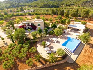 CAN GUASH: Beautiful and spacious house located in Santa Eularia in a quiet environment. - Velverde vacation rentals