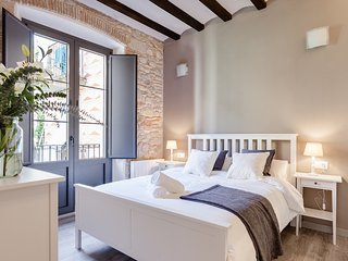 Sleep & Stay-  Home with balcony  Bonaventura 3 - Girona vacation rentals