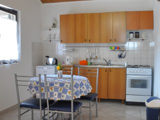 Beautiful 1 bedroom Vir Apartment with Internet Access - Vir vacation rentals