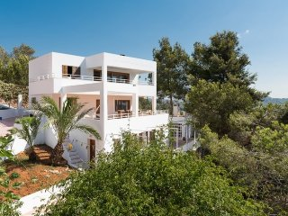 Can Malvinas: house overlooking Ibiza just a few minutes from the center of Ibiza. - Puig d'en Valls vacation rentals