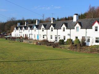 Crinal Canal Cottage No8, Cairnbaan, Lochgilphead - Argyll - Cairnbaan vacation rentals