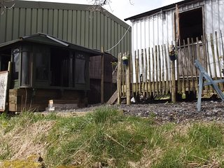HERDWICK HUT, Hot tub ALL WEATHER COVERED private SOLE USE 24/7.alston &; Lakes - Alston vacation rentals