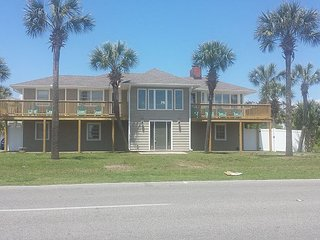 2nd Row, Beach House w/6 Bedrooms, Sleeps 16 - North Myrtle Beach vacation rentals