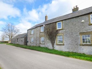 BRETTON VIEW, wonderful views, enclosed garden, pet-friendly, near Tideswell - Tideswell vacation rentals