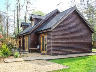 LAKELAND LODGE, hot tub, four bedrooms, WiFi, near Pentney, Ref 947581 - Pentney vacation rentals