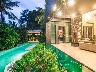 MAGFICENT 5 STARS ESTATE CANGGU MANSION 6 BEDRM BATU BOLONG INTERNATIONAL DESIGN - Canggu vacation rentals