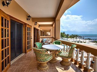 AMAZING VIEWS, BREEZES, & POOL/BEACH ACCESS! 3BR/2BA - Hol Chan Reef Resort - San Pedro vacation rentals