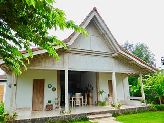 Villa Coral - Pemuteran - 8 pax - 300m to beach - Pemuteran vacation rentals