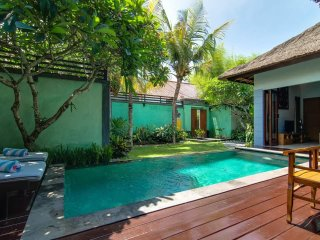 Villa Abimanyu - 5 Bedrooms / 2 Villas Side by Side / 2 Pools / Sleeps up to 10 - Seminyak vacation rentals