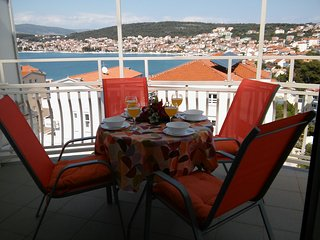 Large sea view apartment, just 50m from the beach, 4km from Trogir Old Town - Okrug Gornji vacation rentals